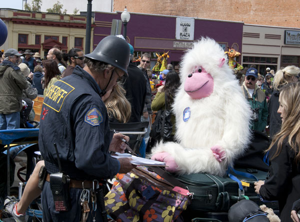 Sheriff grills gorilla